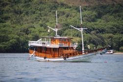 (20) voyage-indonesie-labuan bajo port (21)