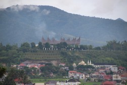 voyage-indonesie-sumatra-bukittinggi-fort the rock (10)